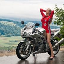 Model auf Motorad