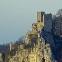 Ruine Reußenstein im April